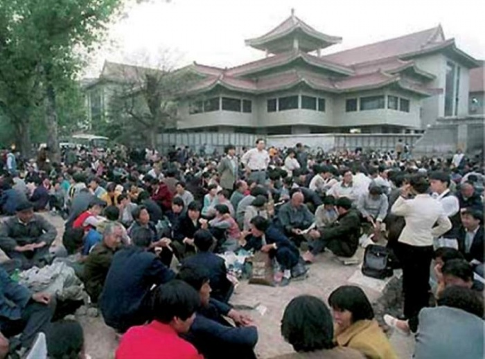 300 млн человек вышли из компартии КНР. Китайцы рассказывают, почему покидают её ряды