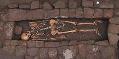 Мама с трепанацией черепа и рождённый в гробу младенец — редкая находка времён Средневековья