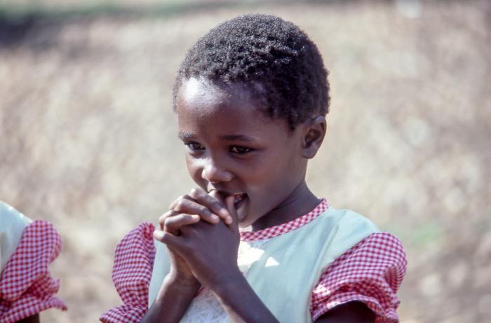 История неграмотной 14-летней шахматистки из африканских трущоб, которая потрясла мир