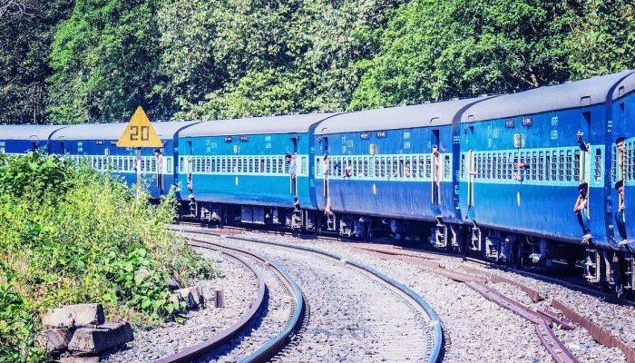Пассажир поезда помог спасти 26 девочек от торговцев людьми