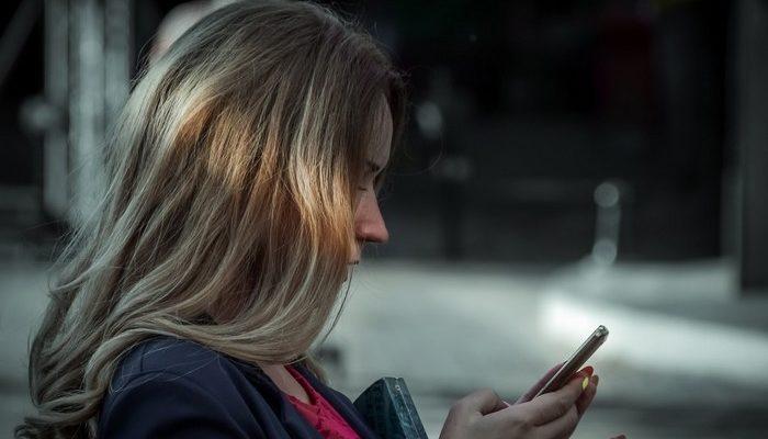 Девушка написала СМС бывшему парню, но ошиблась номером. Так она нашла любовь всей своей жизни