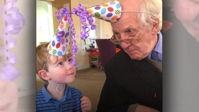 Дружба с 4-летним мальчиком превратила сварливого 91-летнего старика в добродушного дедушку