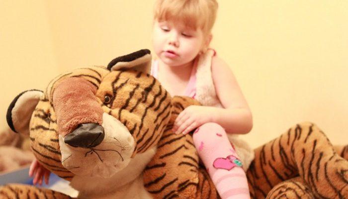 6-летняя девочка без разрешения заказала в интернете гору игрушек. Поняла, что поступила неправильно, и отдала игрушки больным детям