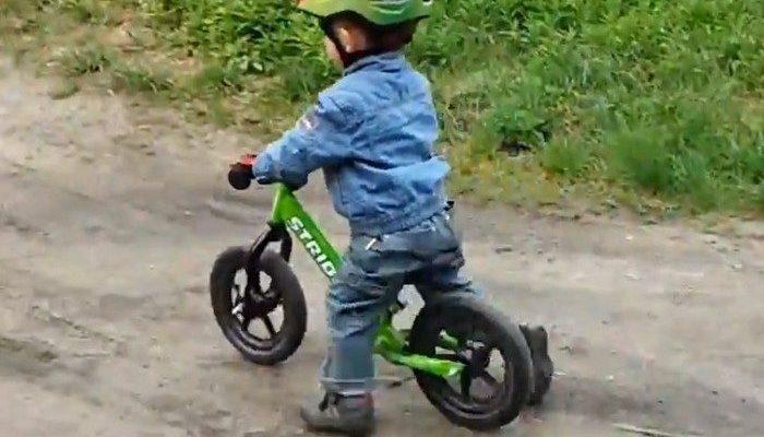 4-летний велосипедист получил эксклюзивное парковочное место!