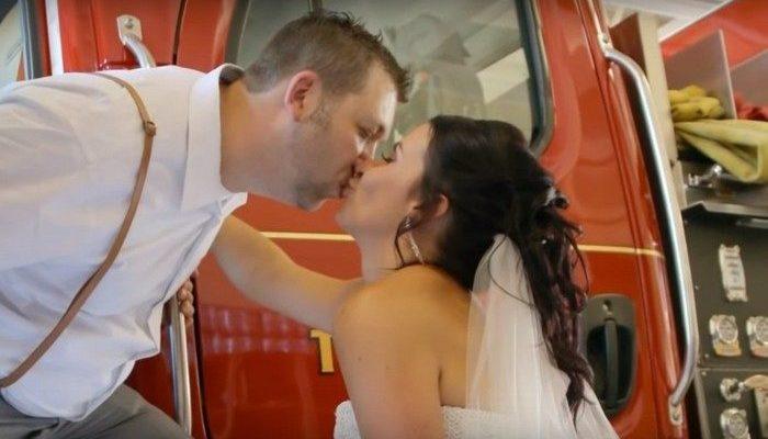 Свадебную церемонию прервали, когда жених отправился тушить пожар