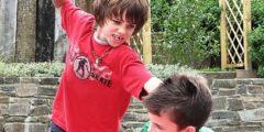 Отец узнал, что сына в школе задирает мальчик. Вместо разборок он помог обидчику