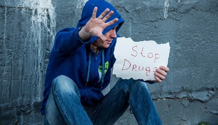 История бывшего наркомана и его фотографии «до» и «после» воодушевили пользователей интернета. Такой поддержки мужчина не ожидал!