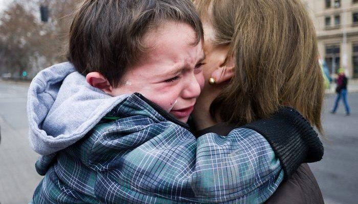 «Мужчины не плачут»? Плачут! Медсестра поддержала 11-летнего мальчика, игнорируя устоявшееся представление