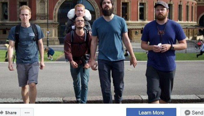 «У нас было сумасшедшее приключение». Пятеро друзей путешествовали по Европе с инвалидом в рюкзаке