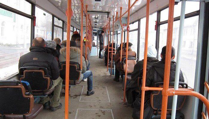 Россиянин за 50 тысяч рублей арендовал на день трамвай и возил всех бесплатно