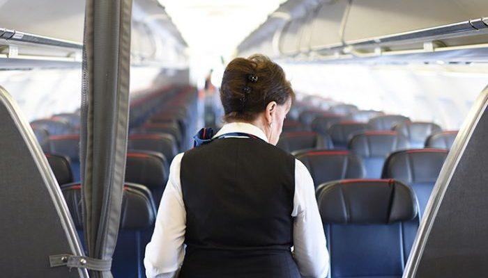 82-летняя стюардесса выходит на рейсы и не собирается останавливаться!