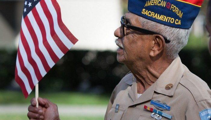 Ветеран войны к своему 100-летию попросил прислать 100 открыток. Но получил уже более 10 000 писем!