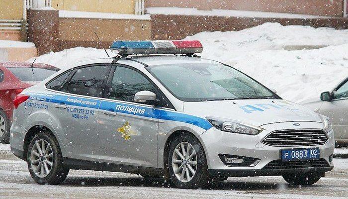 «У меня ребёнок умирает, помогите». Иркутский полицейский помог быстро доставить в больницу тяжелобольную девочку