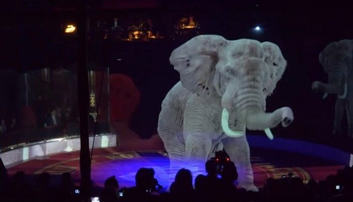 (Видео) Немецкий цирк вместо животных использует захватывающие голограммы. И зрители в восторге!