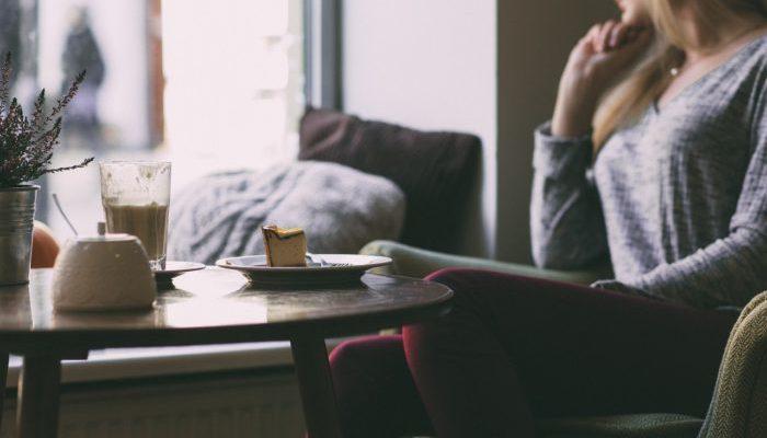 Мужчина рассказал, почему его жена ужинает в одиночестве. Его пост стал вирусным
