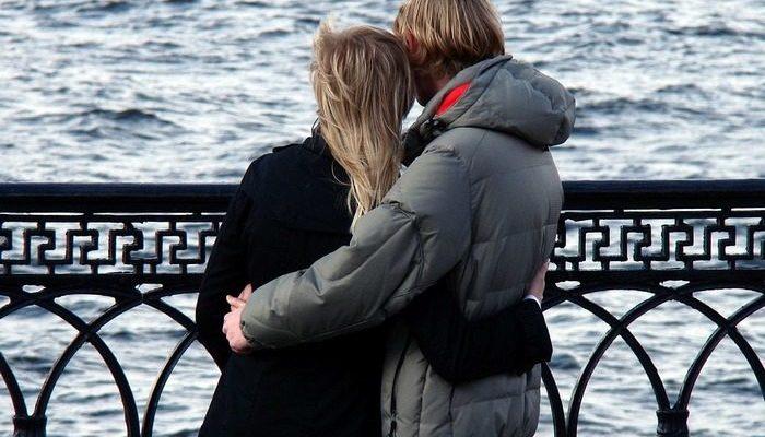 Девушка обняла парня и обнаружила у него рак!