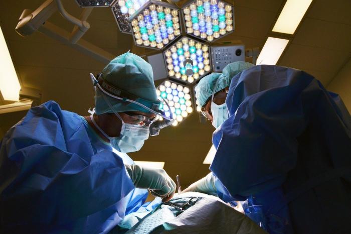 операционная хирурги