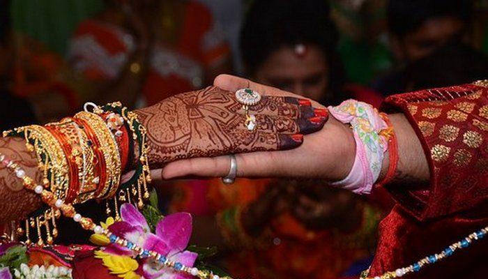 Бизнесмен в честь свадьбы дочери подарил бедным 90 домов, потому что «есть такая вещь, как долг перед людьми»