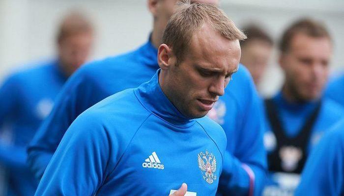 Футболист Денис Глушаков поверил на слово инвалиду с ДЦП и перечислил ему 250 000 рублей