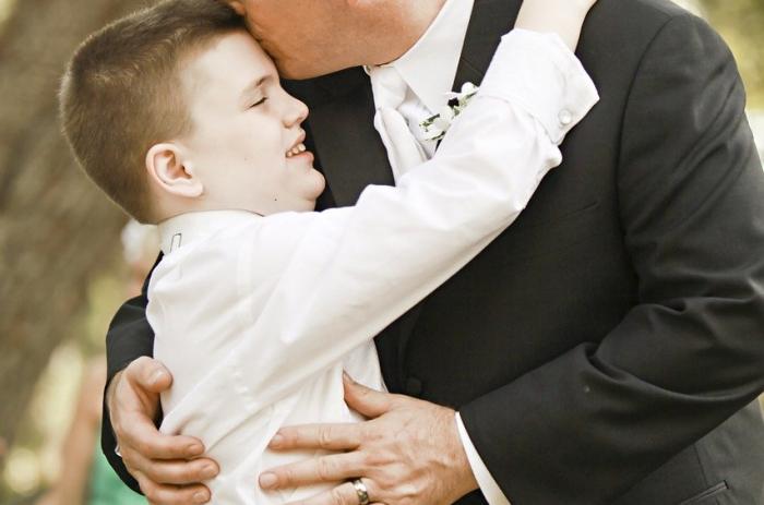 Чтобы устроить будущее сына аутиста, папа основал компанию для людей с таким диагнозом. Результаты превзошли все ожидания!