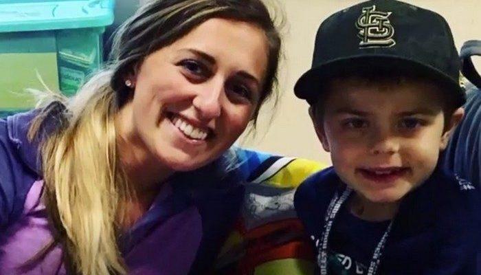 Родители до сих пор не могут в это поверить. Медсестра пожертвовала их 8-летнему сыну часть своей печени!