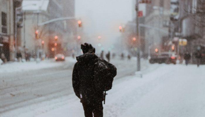 Парень шёл по гололёду 16 км, чтобы попасть на собеседование. Такое усердие не мог упустить случайно встретившейся ресторатор