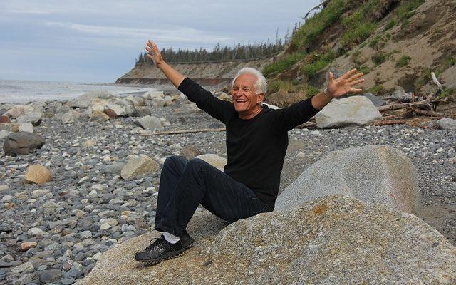 Старый добряк любил жизнь и всегда помогал другим. Близкие решили, что ему бы понравились нескучные поминки