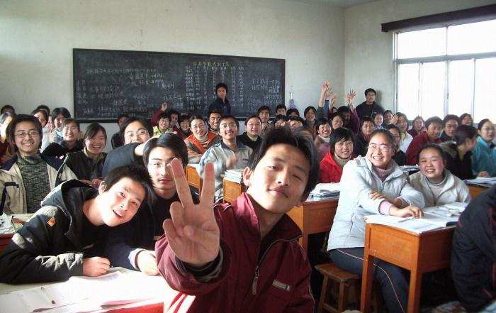 Директриса китайской «токсичной школы»: СМИ лгали о больных детях