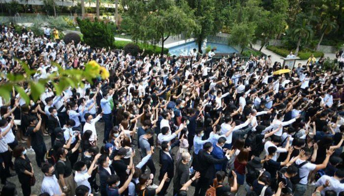 Выстрел полицейского в студента стал новым стимулом гонконгских протестов