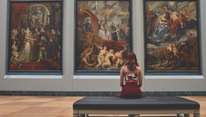 Экскурсия в музей помогла женщине вовремя обнаружить рак груди
