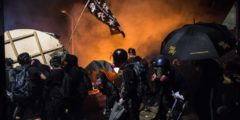 Путь невозврата? Гонконгские протесты снова усилились и вызывают опасения затяжного кризиса