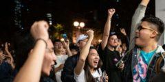 Протестующие Гонконга отпразднуют сокрушительную победу демократических партий на выборах и продолжат протесты