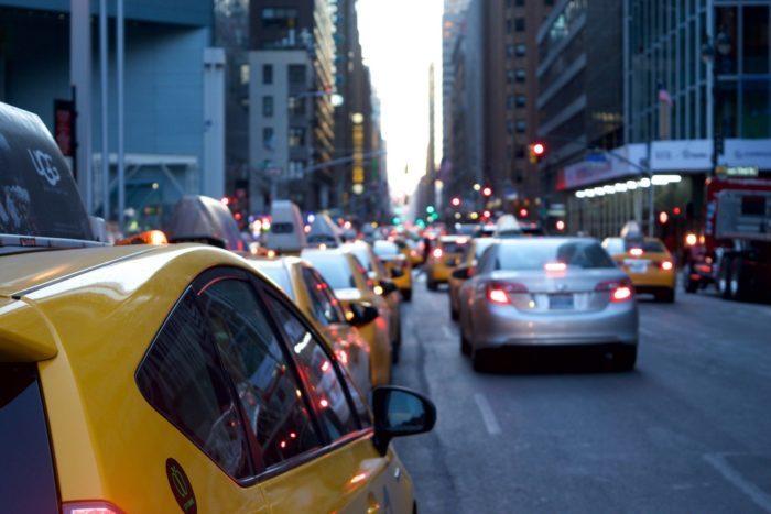 (Видео) Прощайте слепые зоны в машине! 14-летняя девочка придумала, как повысить безопасность на дорогах