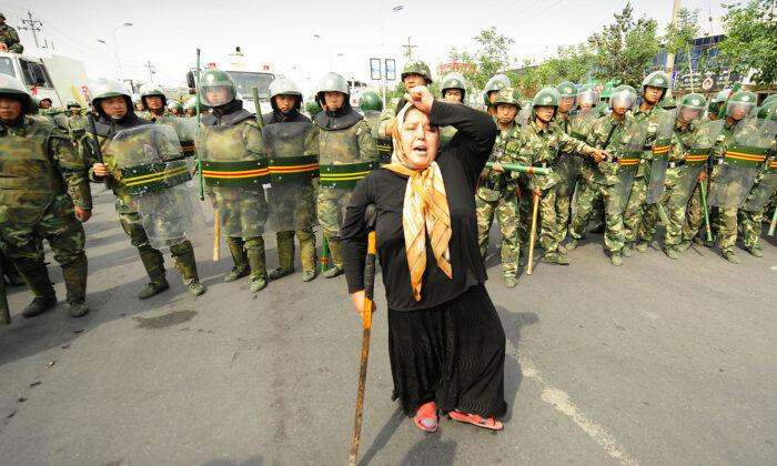 4 группы людей, которых сейчас преследуют в Китае. Что об этом известно?