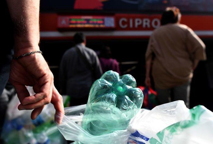 пластиковые бутылки в Риме