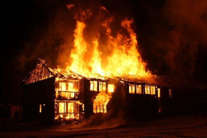Нелегальный мигрант спас человека из горящего здания и убежал. Благодарность превысила его ожидания