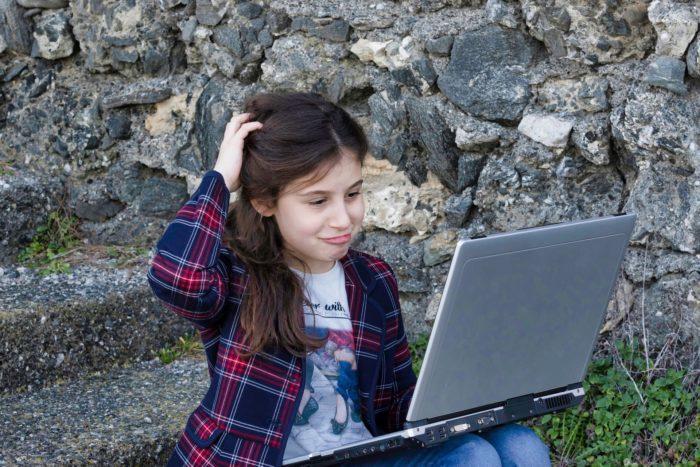 Соцсети сильнее влияют на психическое здоровье девочек, чем мальчиков