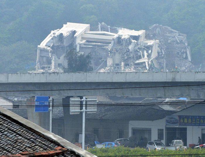 Христианская церковь в городе Оубэй, снесённая китайскими властями 28 апреля 2014 года