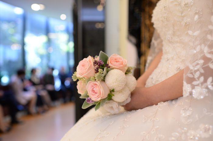 Учительница так прикипела к своим воспитанникам с аутизмом, что позвала их на свою свадьбу и дала самые ответственные роли
