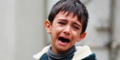 Мама написала душераздирающее послание родителям, дети которых издеваются над её 9-летним сыном в школе