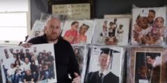 Мужчина нашёл целый склад портретных фотографий в бывшем ателье. И не смог их выбросить