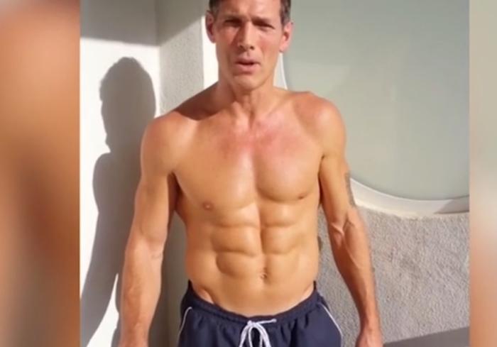 56-летний мужчина выглядит на 30 лет. Он соблюдает три простых правила