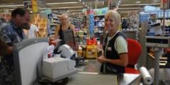 Продавец зашивалась из-за паникующих покупателей с претензиями. Помощь пришла, откуда не ждали