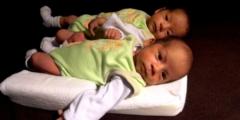 Сёстры-близнецы смогли увидеться только через 36 лет. Благодаря полицейскому