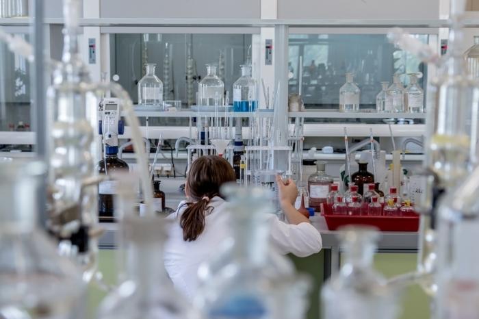Власти Китая закрыли лабораторию, которая первой сообщила о геноме нового коронавируса, на следующий же день