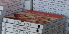 Фото животных из приюта появились на коробках с пиццей. И оказалось, что это гениально!