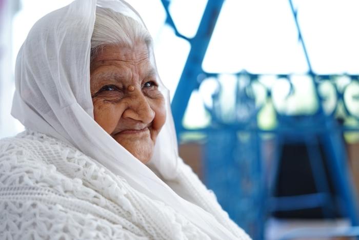 90-летняя женщина выжила в борьбе с COVID-19 и дала совет всем заболевшим