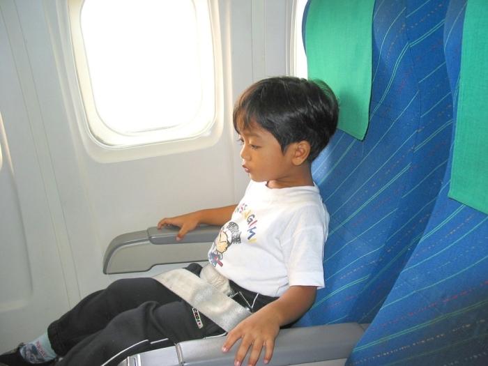 Простому 6-летнему мальчику помогли прилететь к папе во время пандемии министры Израиля