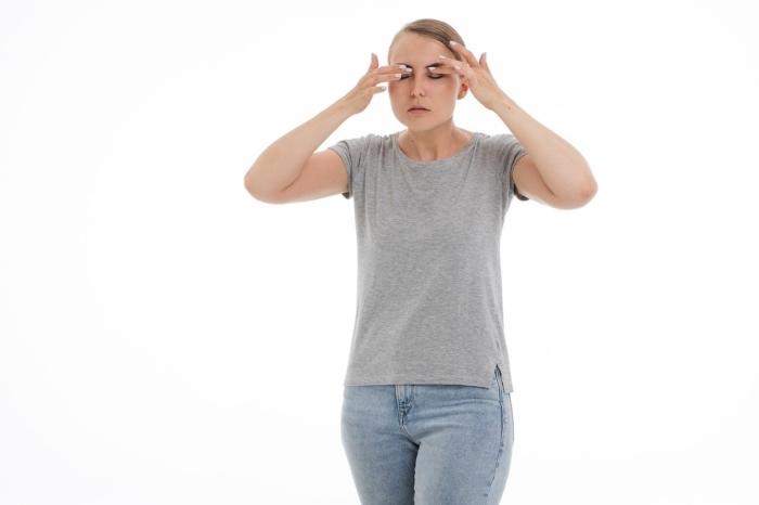 Боль в глазах может оказаться одним из симптомов заражения вирусом. Судя по данным поисковиков