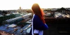 (Видео) Молодые люди устроили романтическое свидание во время карантина. И сделали это, не нарушая условий изоляции!